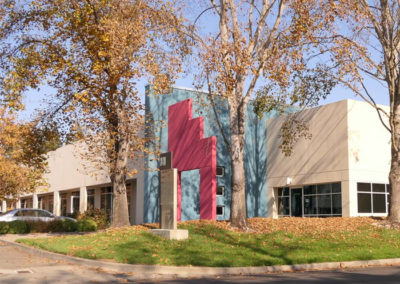 gallery-modern-building-with-fall-colored-trees